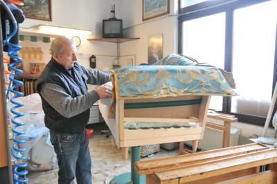 Tappezzeria casa arredo tende da sole divani artigianali for Tappezzeria casa
